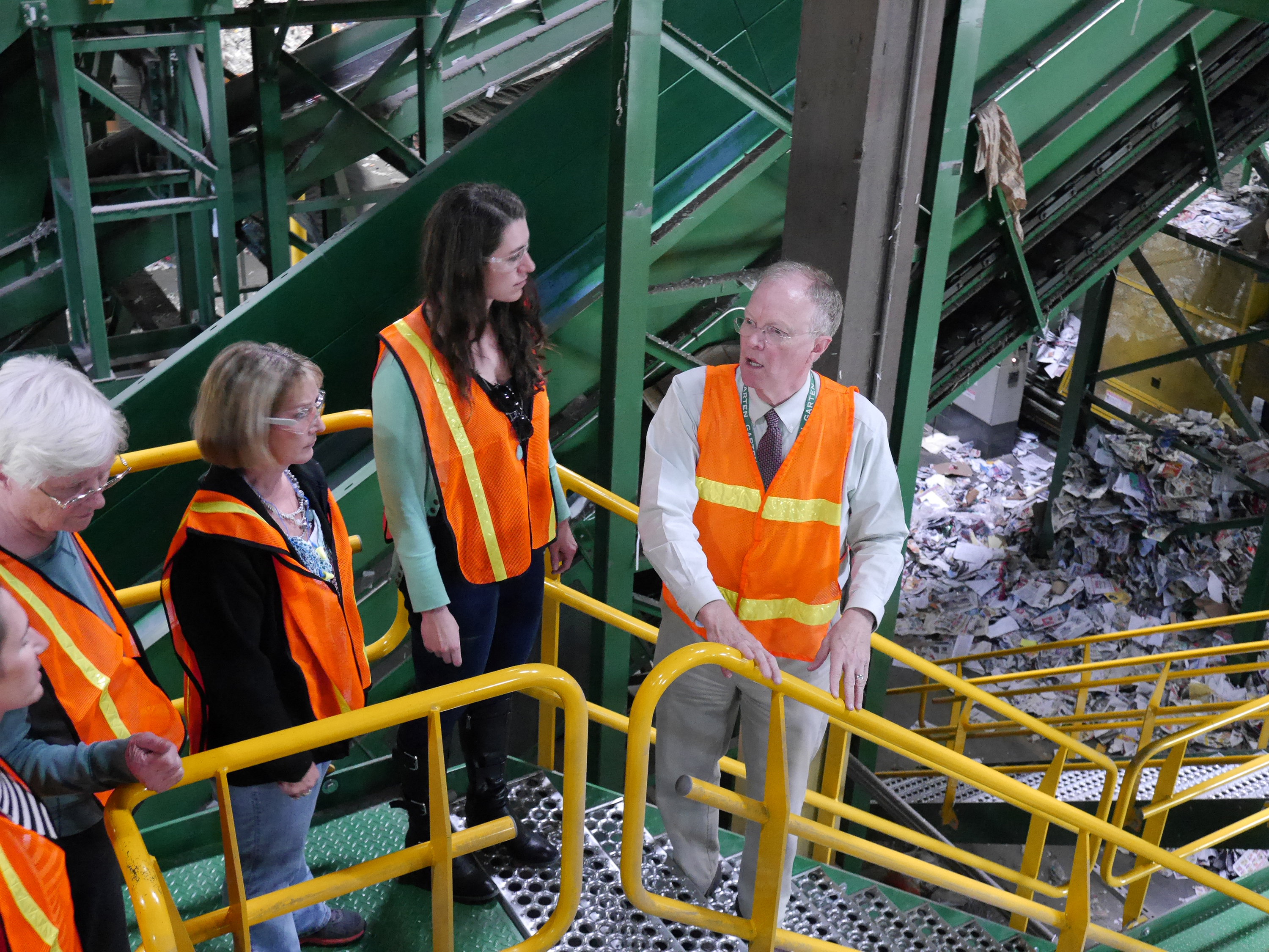 Master Recyclers in Materials Recovery Facility