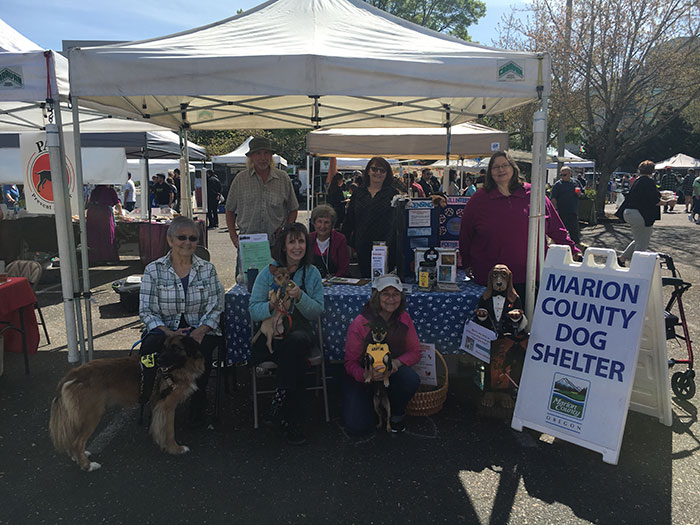 Dgo Shelter Volunteers at the Saturday Market